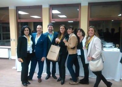 Networking después de un intenso día de trabajo: Equipo Feria del Empleo en la Era Digital